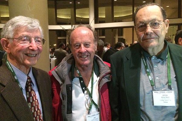 Golf industry mourns James B. Beard, Ph.D.